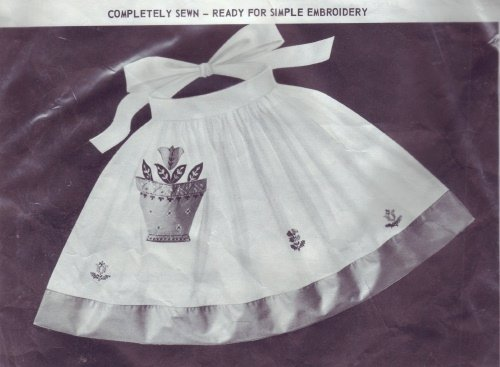 Paragon FLOWERPOT Vintage Pre-Sewn Pink/White Tea Apron to Embroider