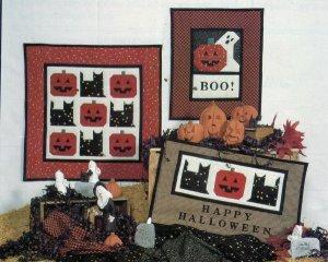 Quilt Pattern ~ Debbie Mumm  Halloween Themed Wallhangings