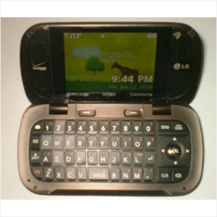 LG Octane VN530 (Verizon) Cellular Phone with charger