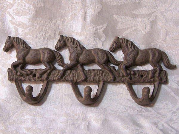 Horse Hook Rusty Cast Iron 3 Hooks Wall Hanger - 01538R