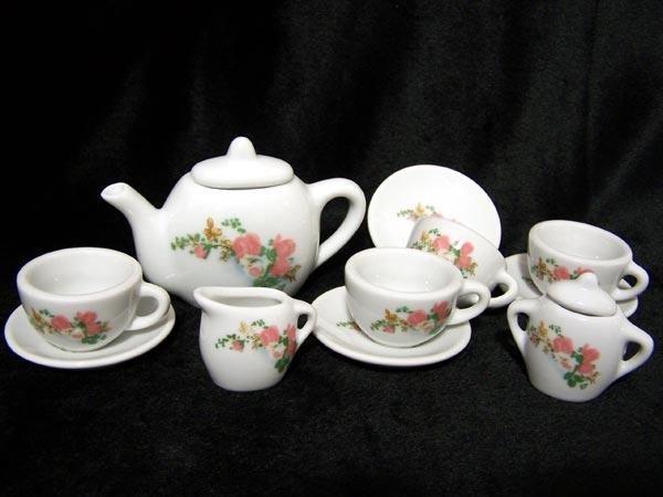 Child's Tea Set Porcelain 13 pieces -080826