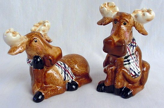 Moose Figurine Salt & Pepper Shakers Rustic Cabin - 16335