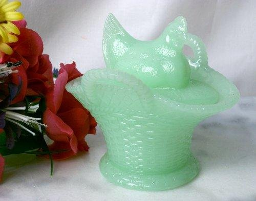 Chicken On Basket Hen on Nest Jadeite Glass Green - 16697