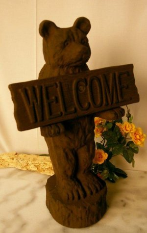 Large Bear Welcome Cast Iron Rustic Wood-Look - 08649