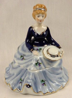 Powder/Trinket Box Girl Figurine Blue Limoges China - 15841
