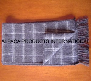ALPACA SCARF IN SCOTTISH MODELS
