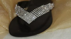 Austrian Crystal & Genuine Leather Sandals/  Flip Flops~ SIZES 6-10 STUNNING!!