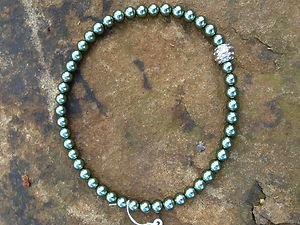 Green Necklace~Glass Pearls~Beautiful~ made with Swarovski Crystals MAGNETIC