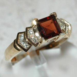 1.79 Carat Garnet & Diamond Ring