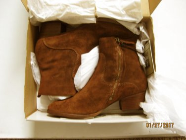 NEW FRYE Women's Clara Zip Short Suede Boot - Size 8 B(M)