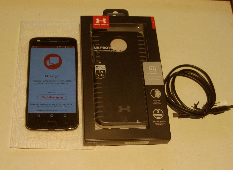 Lunar Gray  Unlocked 32gb Verizon Moto Z2 Play   (Excellent)