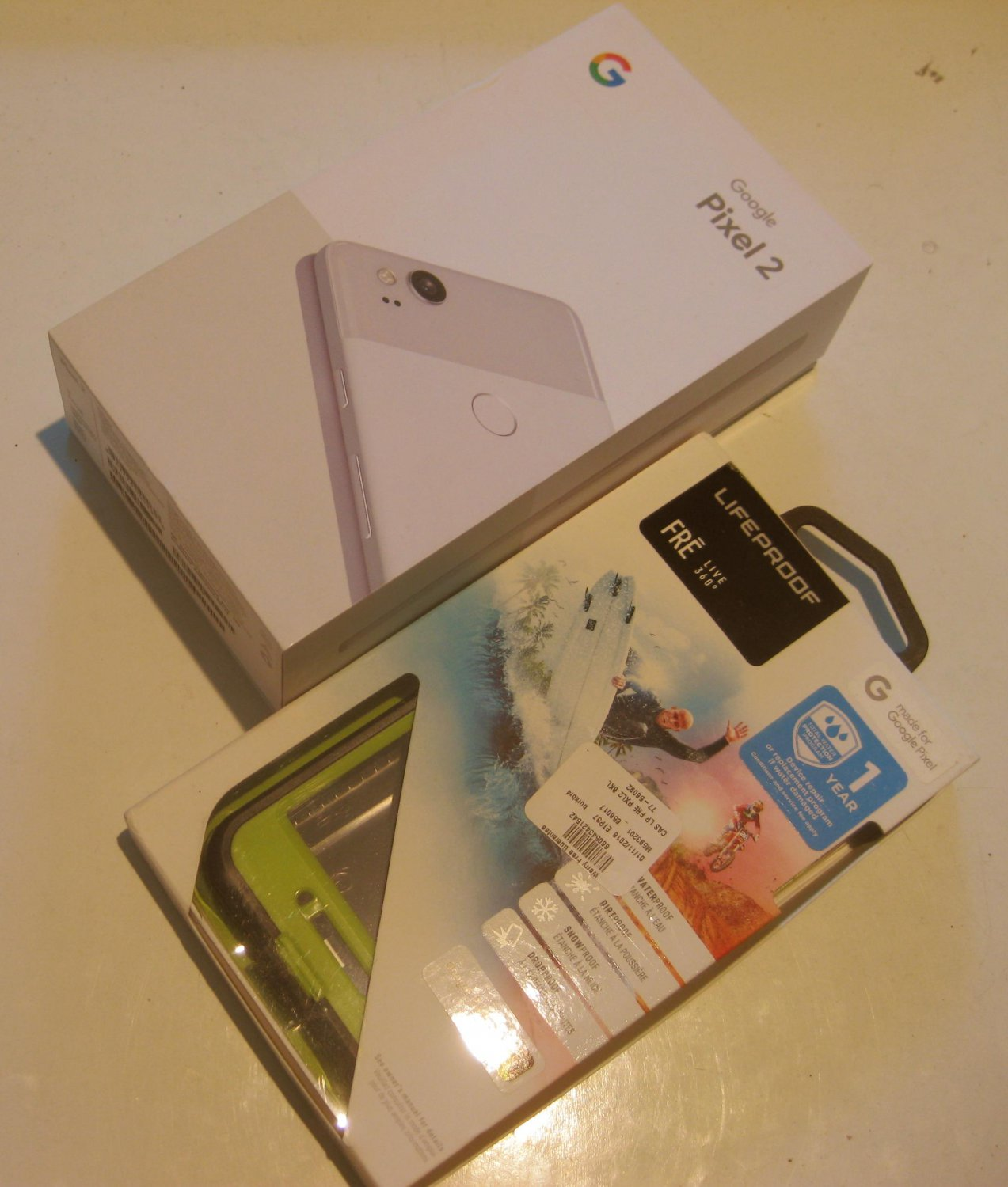 Excellent  Clearly White  Unlocked Google Edition  Pixel 2  64GB Bundle!!
