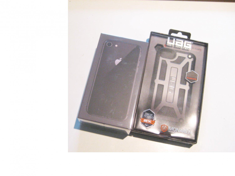 Brand New  256gb Unlocked   CDMA/GSM Iphone 8  (A1863)  Bundle!!!