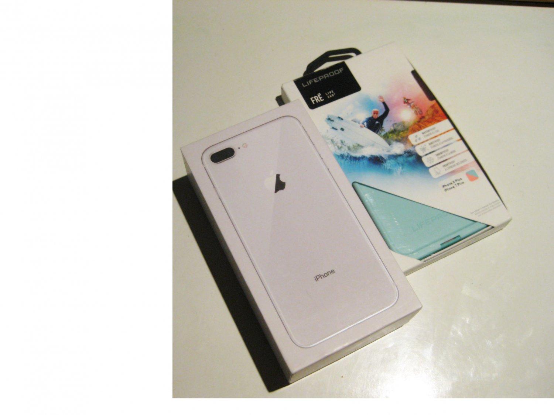 9.3/10 Near Mint Silver   256gb  Iphone 8+  A1864 Bundle!!