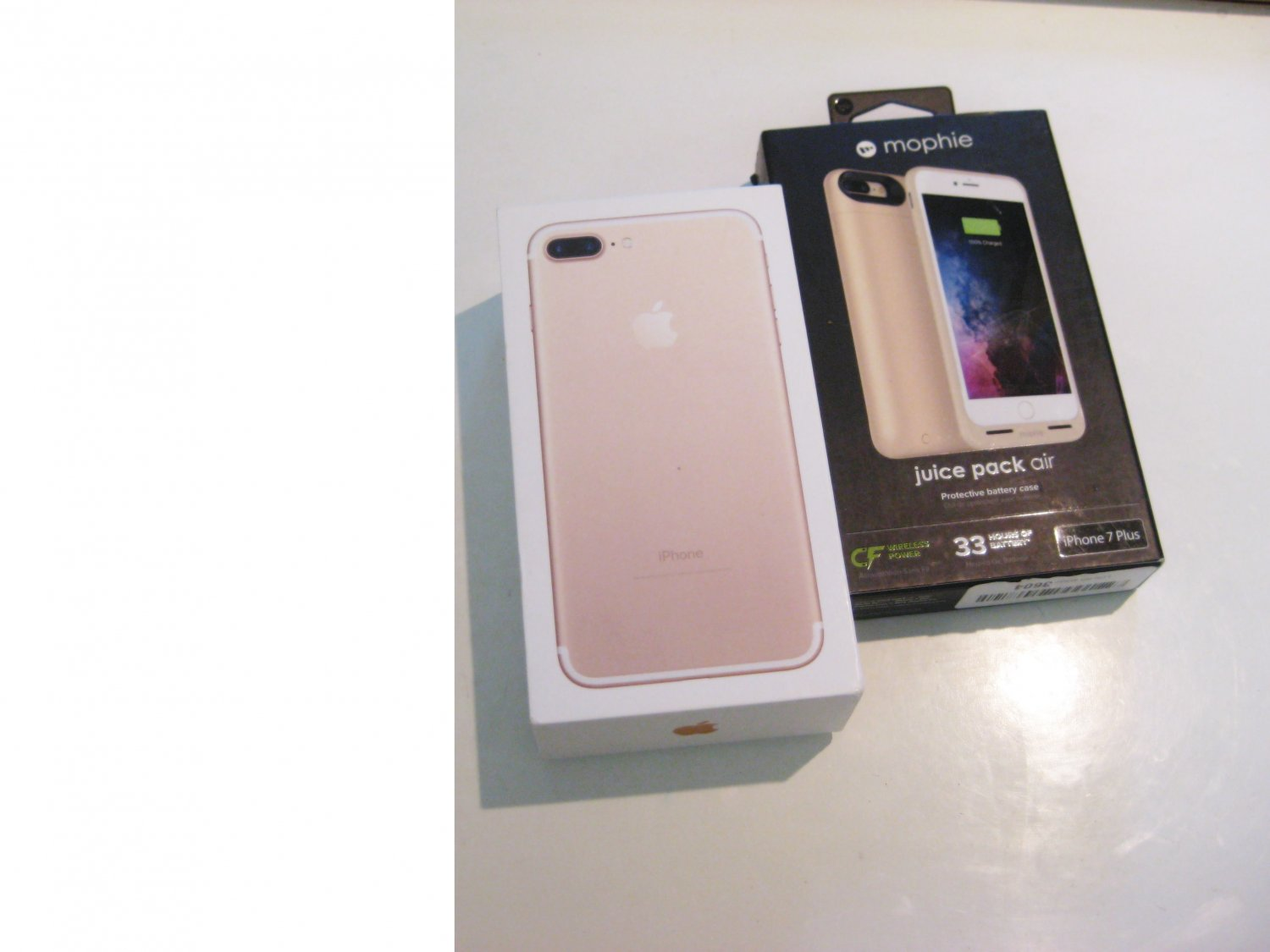 9/10 Delicious Gold   256gb Unlocked CDMA/GSM Iphone 7 Plus Bundle!