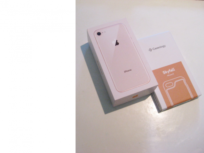 Very Good  UNLOCKED   Gold  256gb  Iphone 8 A1863 CDMA/GSM