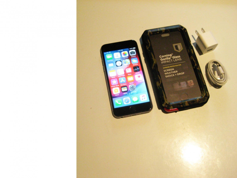 8.9/10  32gb Unlocked  Iphone 6s   A16333  Bundle!!