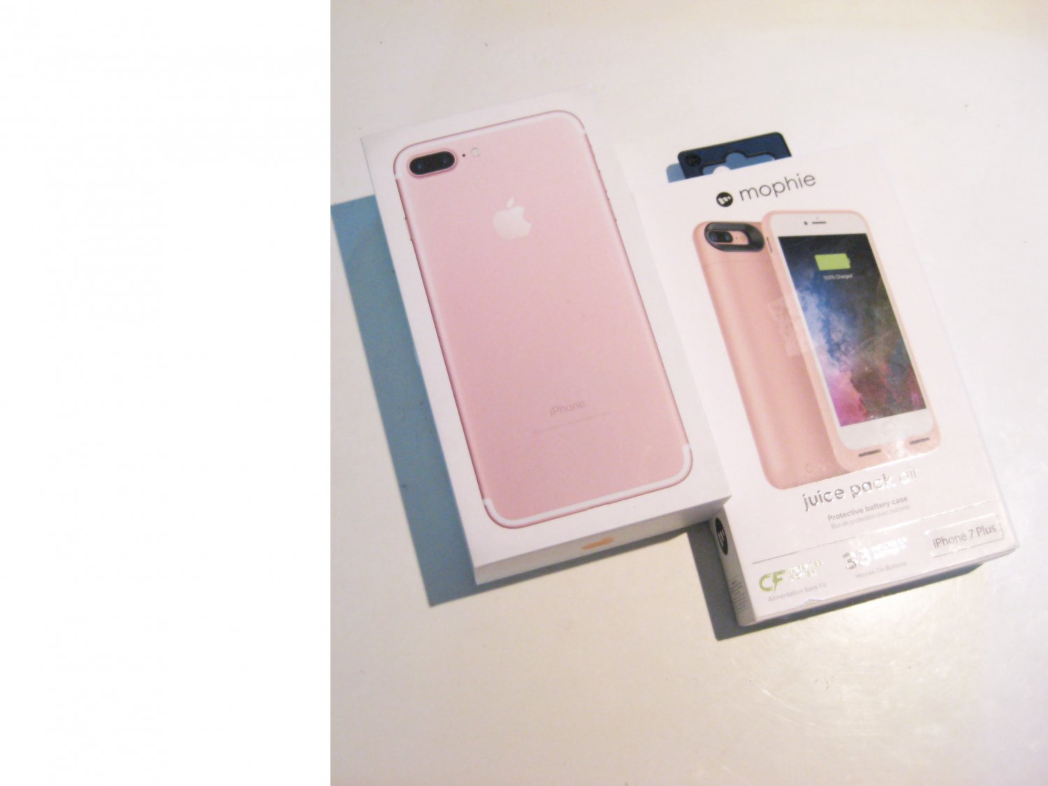 Sweet Rose Gold  32gb   (A1661) Iphone 7 Plus  Bundle!