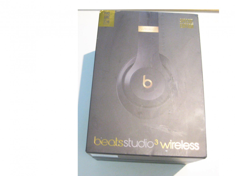 Like New Beats by Dre Studio 3 Bluetooth Over-Ear Headphones, Shadow Gray