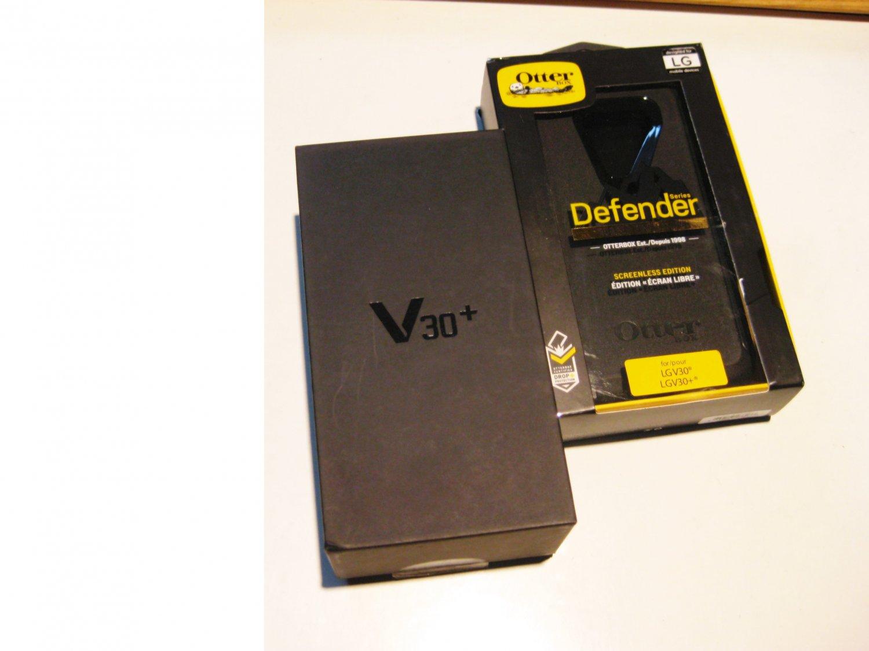 9/10 Black   128gb Sprint Lg V30 Plus  Bundle!!