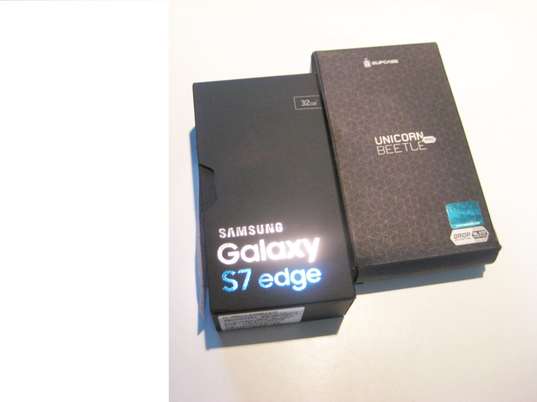 Brand New  Unlocked 32gb Samsung Galaxy S7 Edge G935V Bundle!!