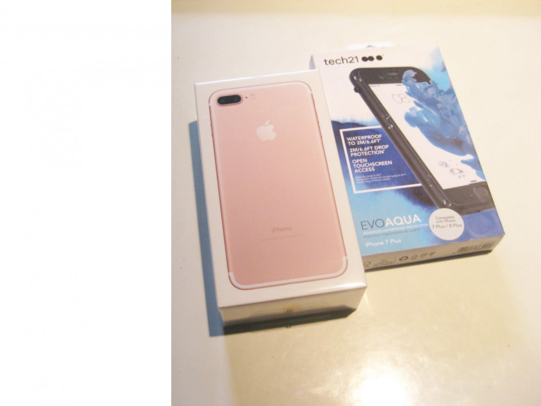 32gb R-Gold Verizon A1661 Iphone 7 Plus Bundle! ( New )