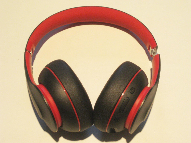 Excellent 9/10  Anker Soundcore Life Q10 Bluetooth Headphones!