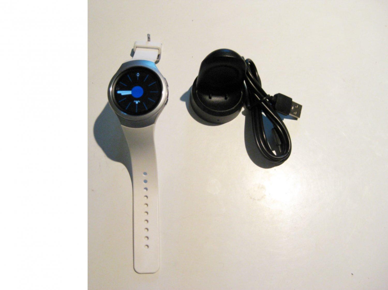 9.3/10 White  Verizon Samsung  Gear S2   Smartwatch
