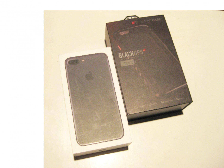 """""""MINT""""   Black 32gb T-mobile  (A1784) Iphone 7 Plus  Bundle DEAL!!"""