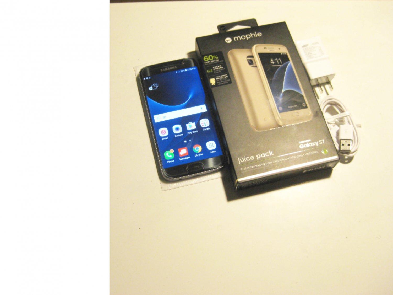 Mint   32gb Unlocked Samsung S7  Bundle!!!