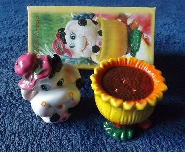 DAISY THE COW STACKING SALT AND PEPPER SHAKERS CRUET SET