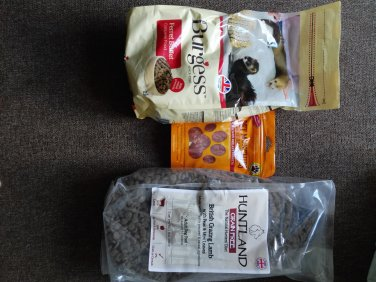 EXOTIC ANIMAL FOODS of EXCESS PURCHASE AND UNWANTED GIFT SALE LOT 6