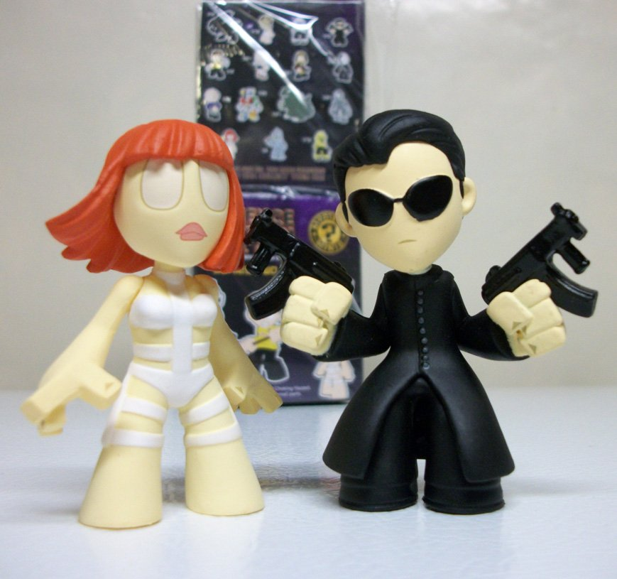 Funko Lot of 2 Neo & Leeloo Sci-Fi Mystery Minis blind box series 2 science fiction 2015