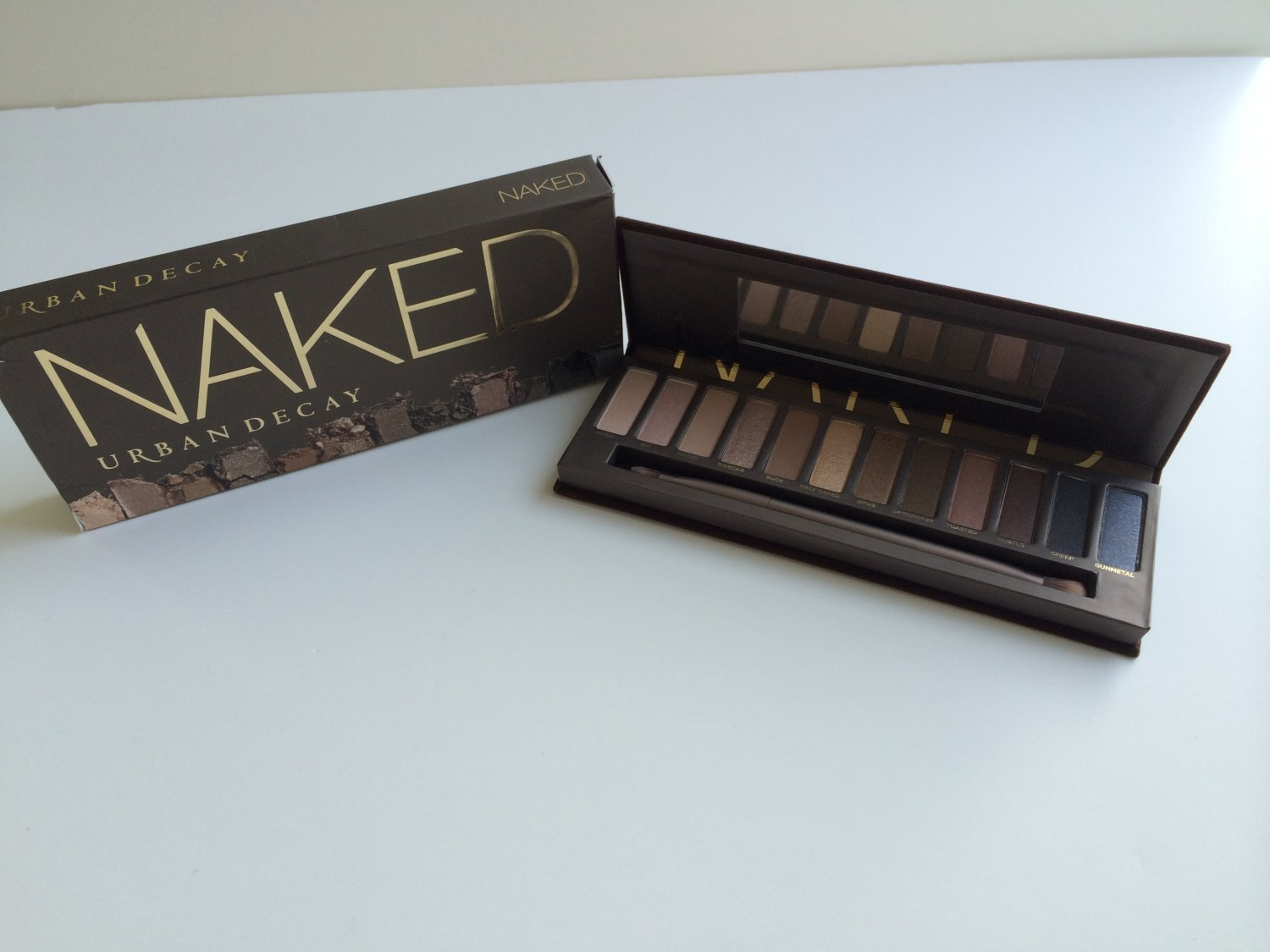 SALE! Urban Decay Naked Palette with Shadow Karma Brush and Primer Potion (BNIB)
