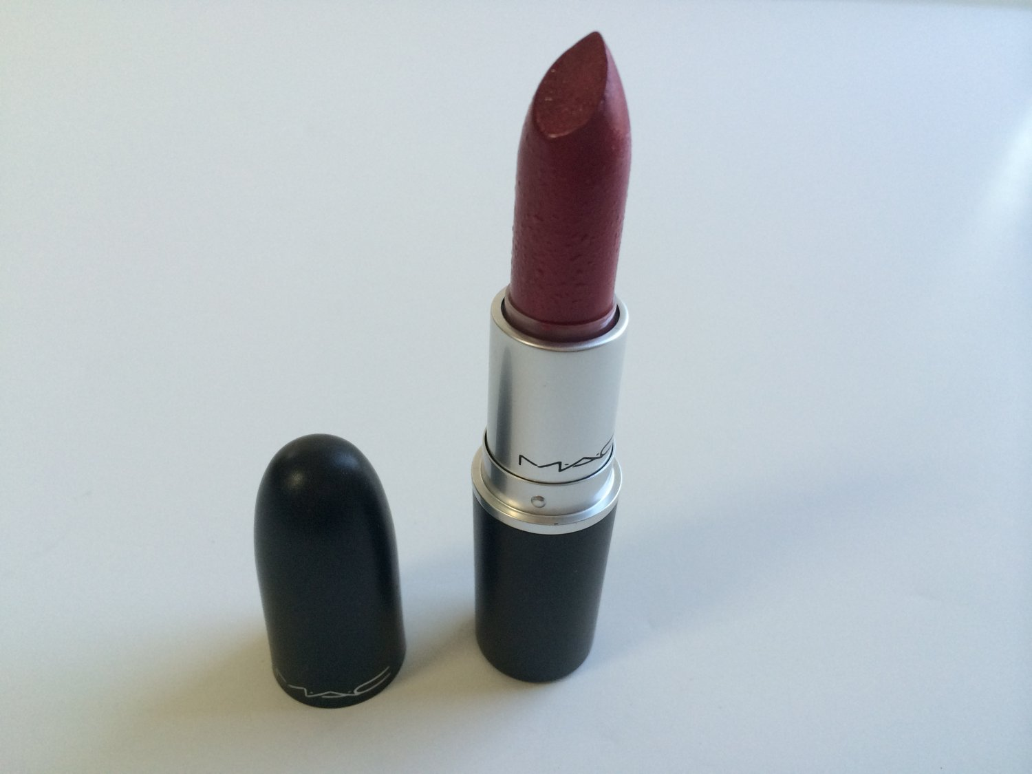 MAC Lustre Lipstick - New York Apple (UNBoxed)