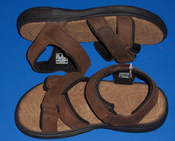 Merrell Topo Sahara Kids Chocolate Brown Sandals Big Boy Size 3