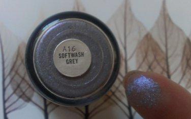 MAC Softwash Grey Pigment Sample