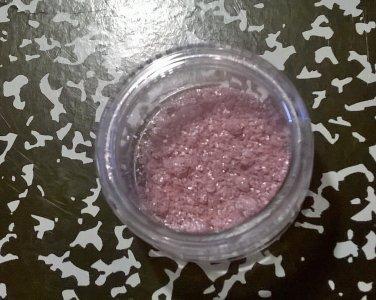 MAC Helium Pigment Sample