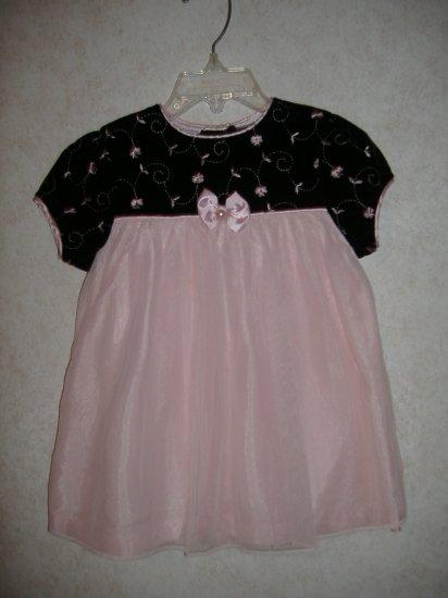 Little Girl's Dress   Size 24 Months