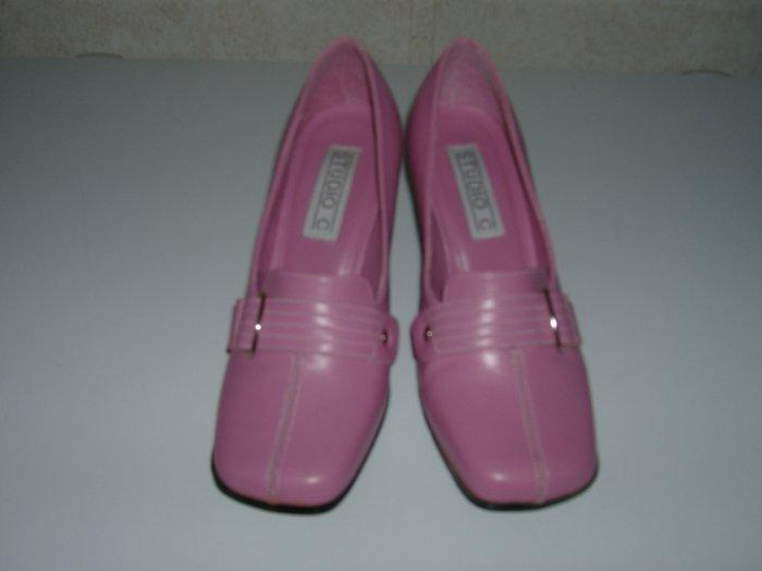 Ladies Pink Pump Heels    Size 7