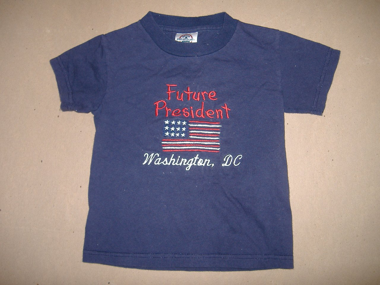 Boy Or Girl T-Shirt    Size 2/4