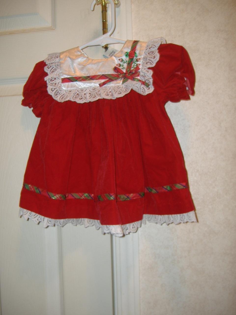 Infant Girl Dress    Size 6 - 9 Months