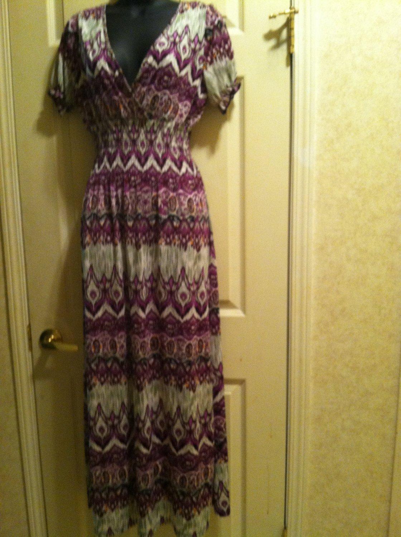 Women's Printed V-Neck Maxi Dress   Size L