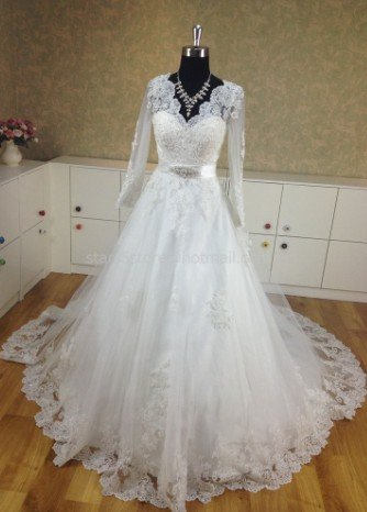 Full Sleeves Wedding Dress Princess Lace Appliques V-neck Wedding Ball Gown H13126