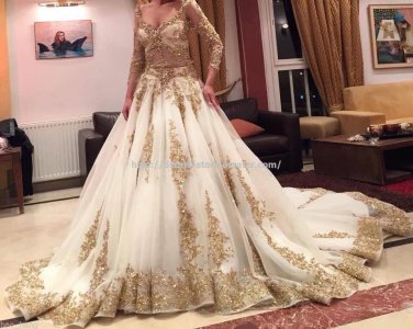 White Shiny Gold Sequined Wedding Dresses Organza Chapel Train Long Sleeves Bridal Dresses D2015669