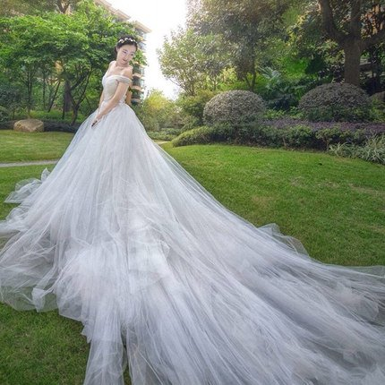 Off Shoulders Appliques Wedding Dress Tiered Ruffles Flowers Court Train  Bridal Gowns D2015923