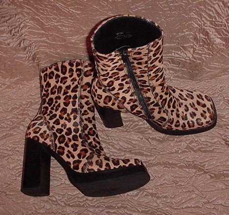 "STEVE MADDEN Designer Boots ITALIAN LEATHER FUR HIGH STACKED 4.5"" HEEL in WILD LEOPARD Size 10!"