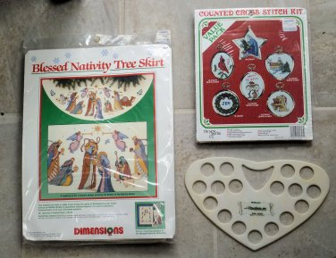 Vtg Dimensions Cross Stitch Blessed Nativity Tree Skirt 1989 and Extras