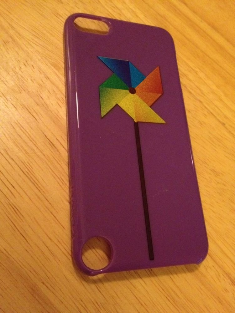 Incase Brand Case for iPod Touch 5th Gen  Purple w/ Pinwheel   CL56669