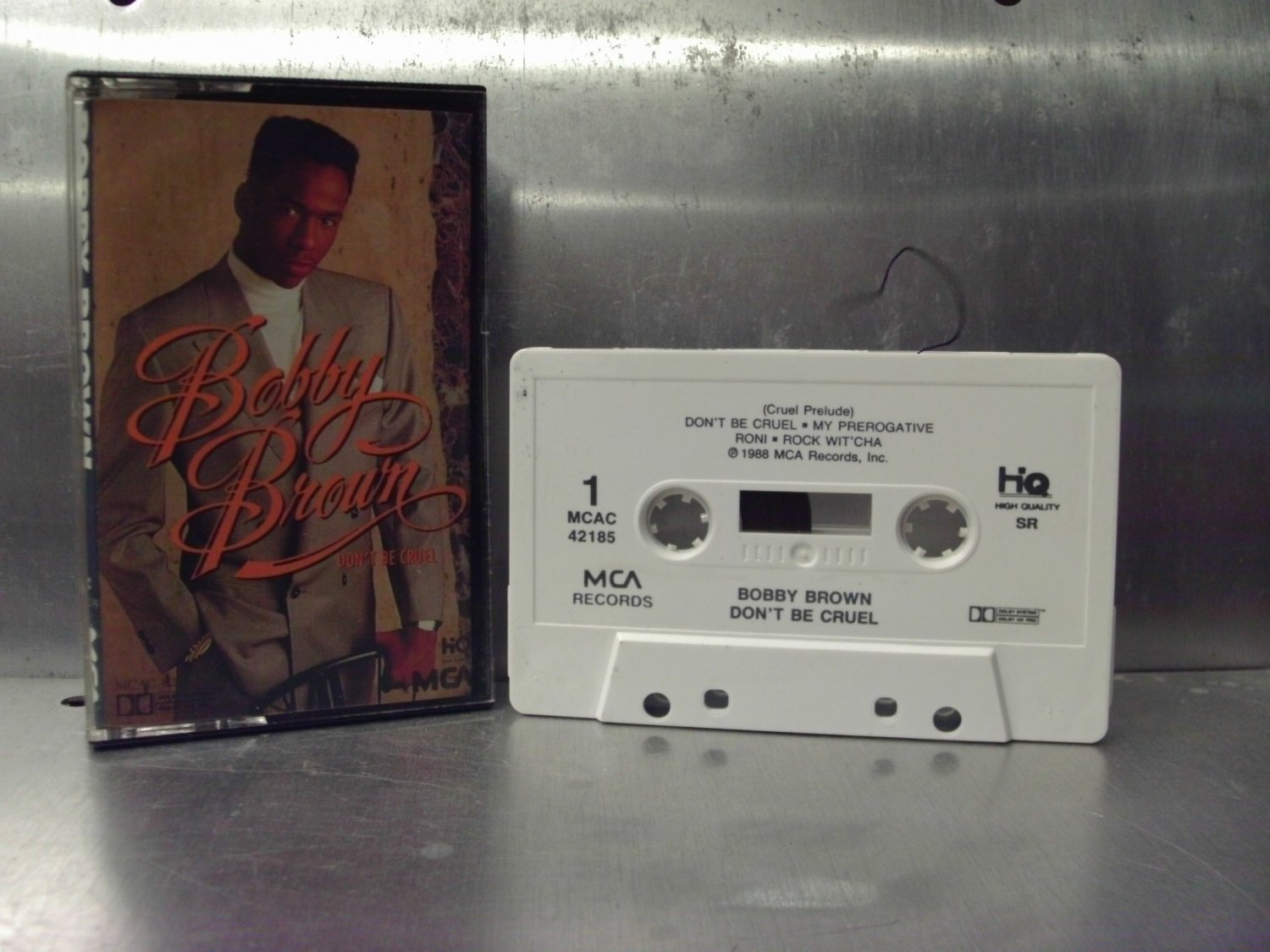 Bobby Brown - Don't Be Cruel Cassette Tape A1-41